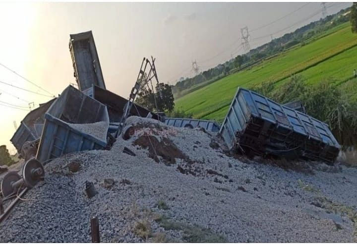 40 Bogies Of Goods Train Derails In Etawah, One Kid Grazing Cattle Nearby The Tracks Killed