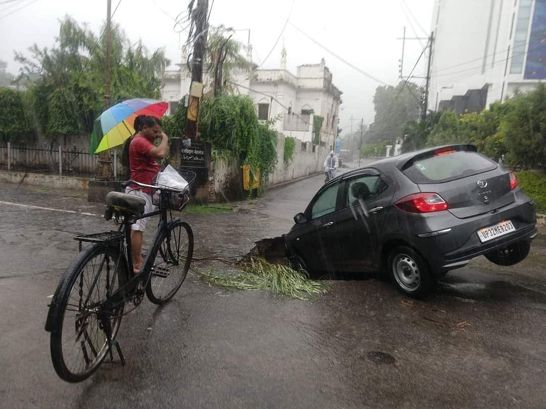 Incessant Rains Cripple UP's Capital, Administration Issues Advisory, Helpline Numbers