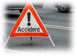 تکلیف دہ حادثہ: دو ہلاک ، چار زخمی ، آٹو اور کنٹینر میں تصادم۔