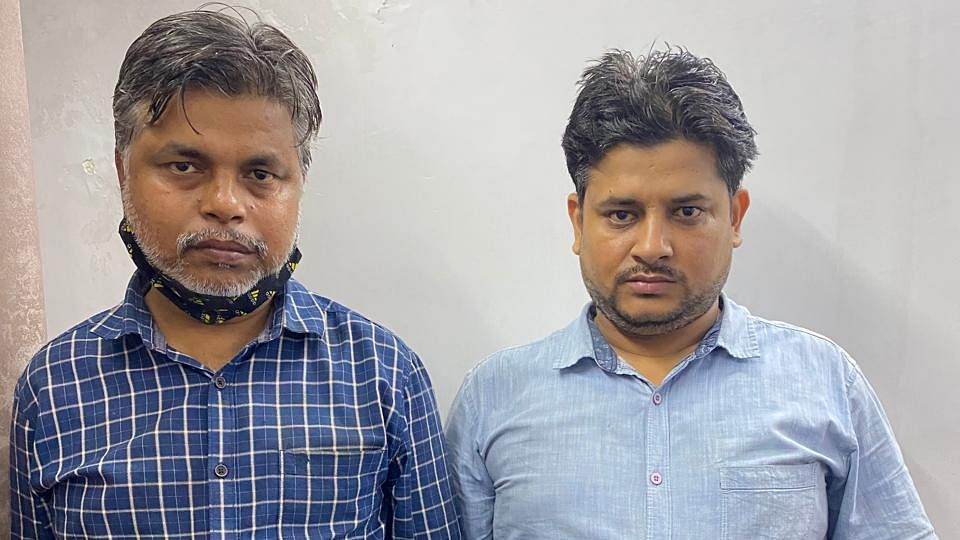 Duo Arrested In Ghaziabad For Defrauding People In Name Of Getting Loans And Policy Maturity