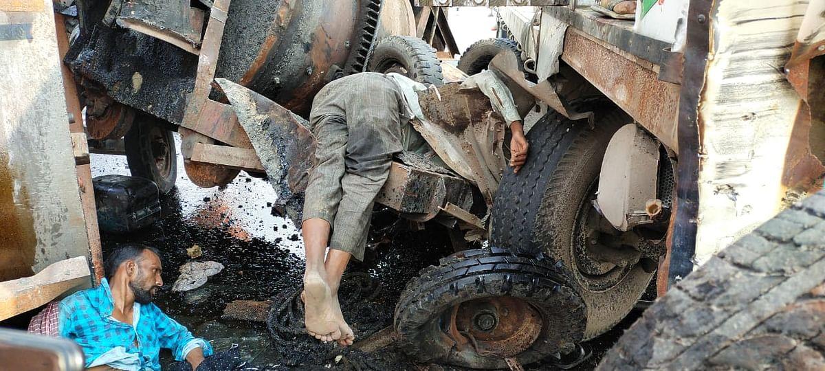 मैनपुरी में रोलर मे ट्रक ने मारी टक्कर, पांच घायल