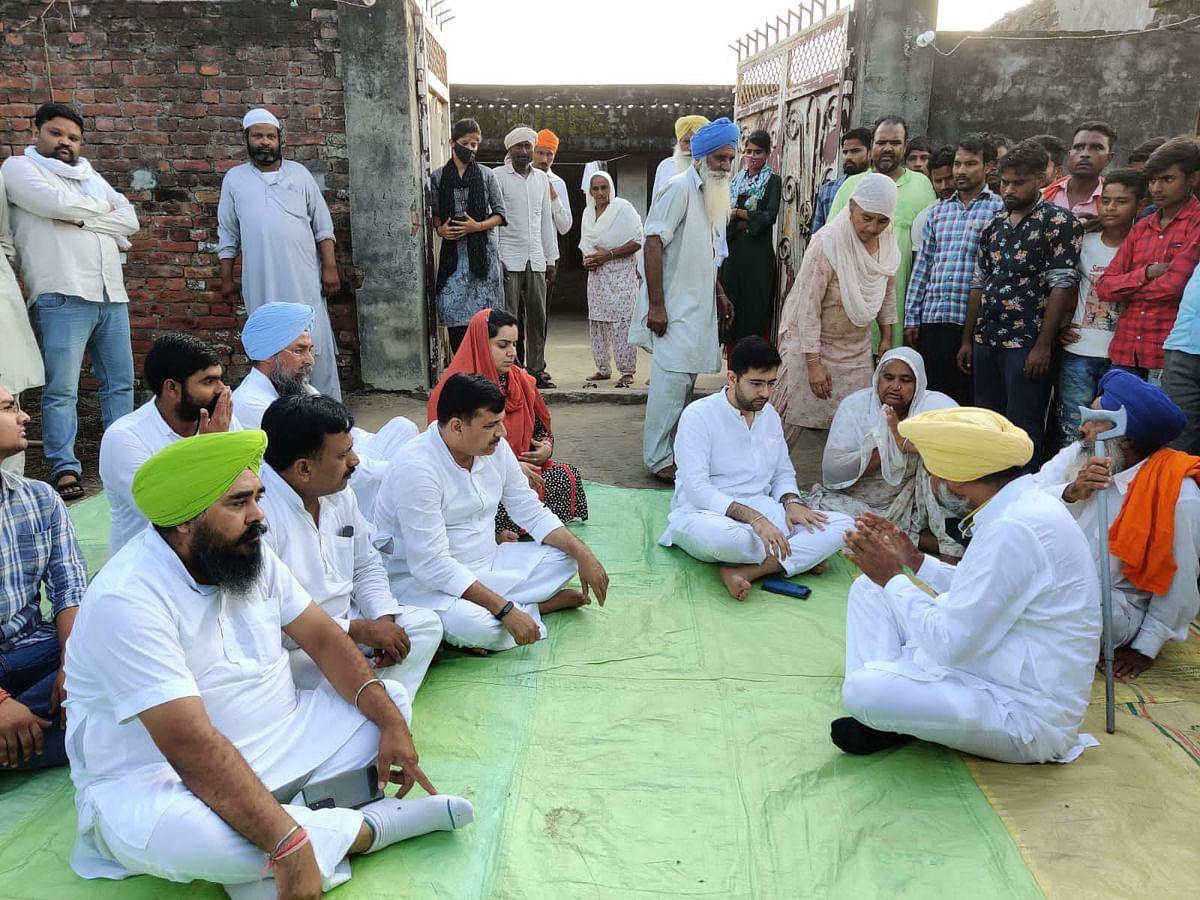 AAP Delegation Meets Deceased Farmers Family, Kejriwal Speaks On Phone To Assure All Help