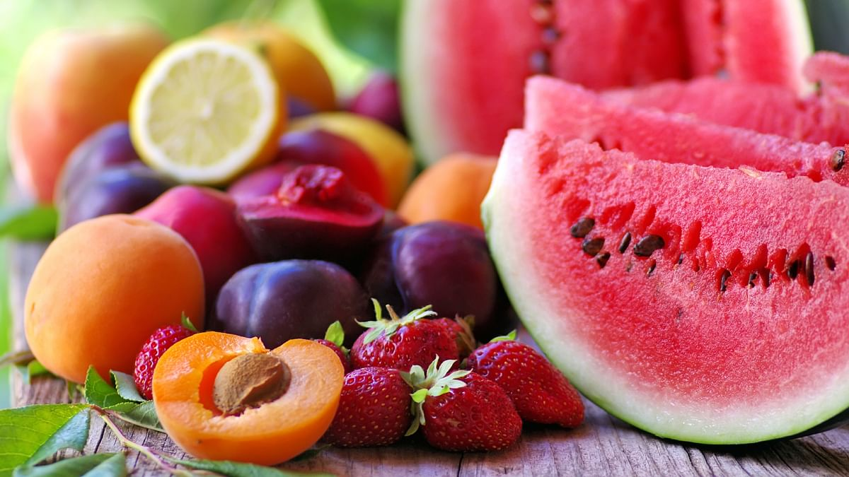 Target 5-6 servings of fruits and vegetables in a day to keep your antioxidant meter up and cholesterol numbers down.