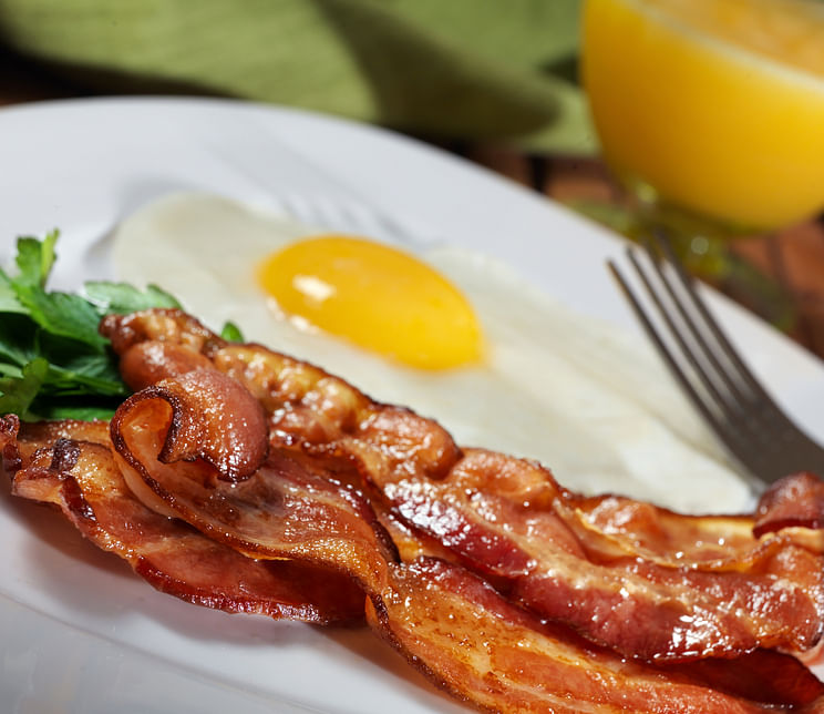Bacon and eggs can be your dream keto breakfast. (Photo: istockphoto)
