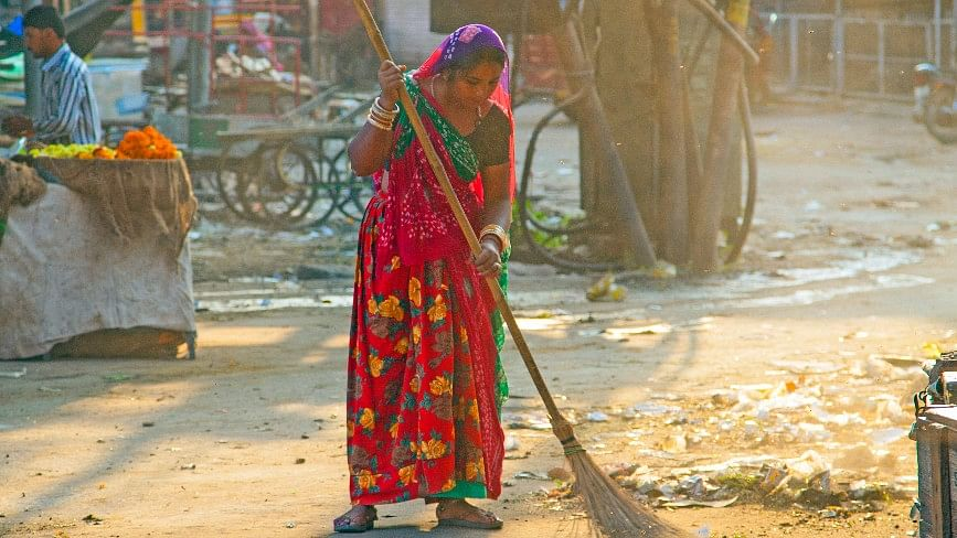 Cleaning of roads with brooms seems to be completely useless and simply blows dust in the air.