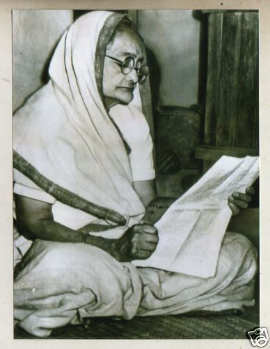 Kasturba Gandhi would often address the masses, encouraging them to fight for their freedom.