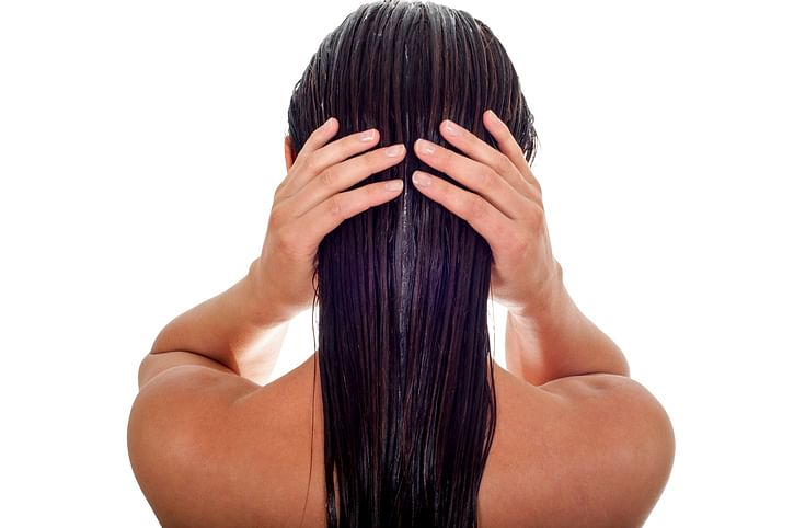 In abhyanga, the head massage is given a lot of prominence and is expected to take up the most of your allotted time.