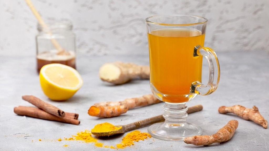 Take fresh ginger juice with 1 teaspoon of honey 2 - 4 times a day.