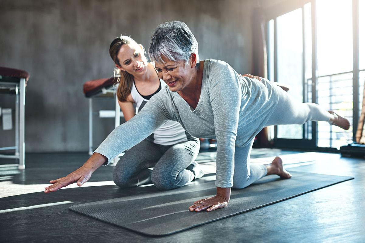 रेगुलर एक्सरसाइज अल्जाइमर के शारीरिक लक्षणों के विकास से बचाव में मददगार हो सकती है.