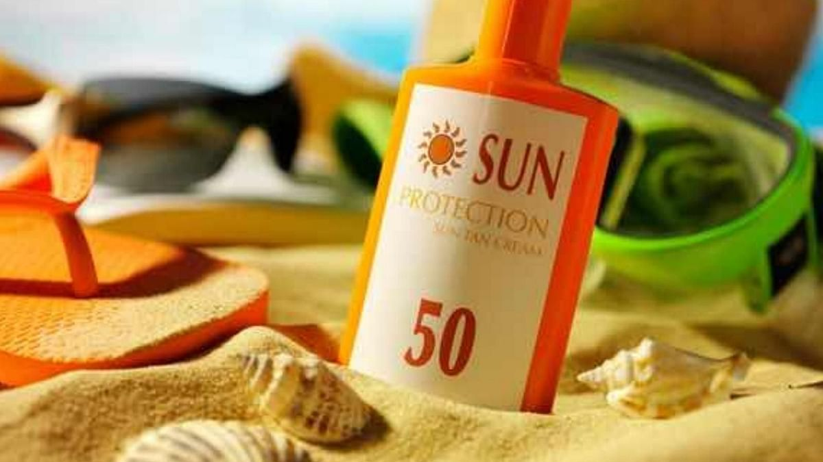 Concerns have been raised regarding zinc oxide in sunscreens and their retention in the skin.