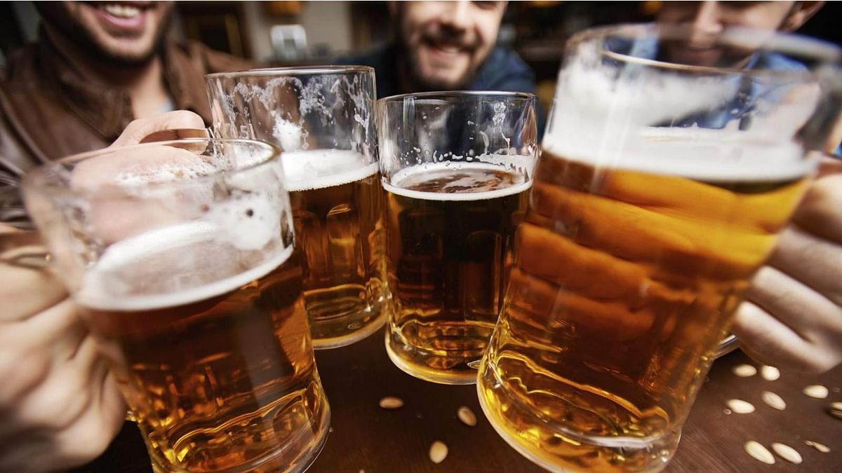 A new study finds that heavy alcohol use may slow the rate of growth in developing brains.