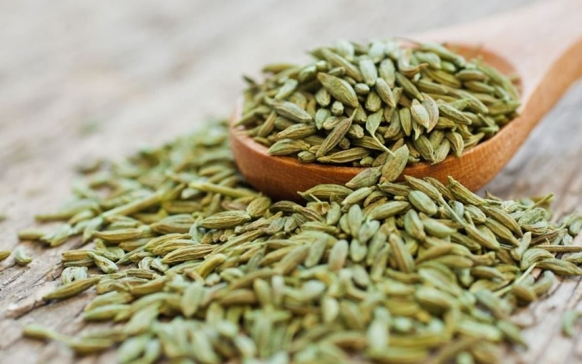 Fennel seeds help remove toxins from the body.