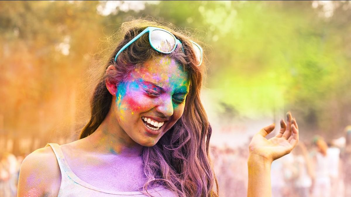 Holi Ayurveda Tips: How to Keep Your Skin, Eyes and Hair Safe