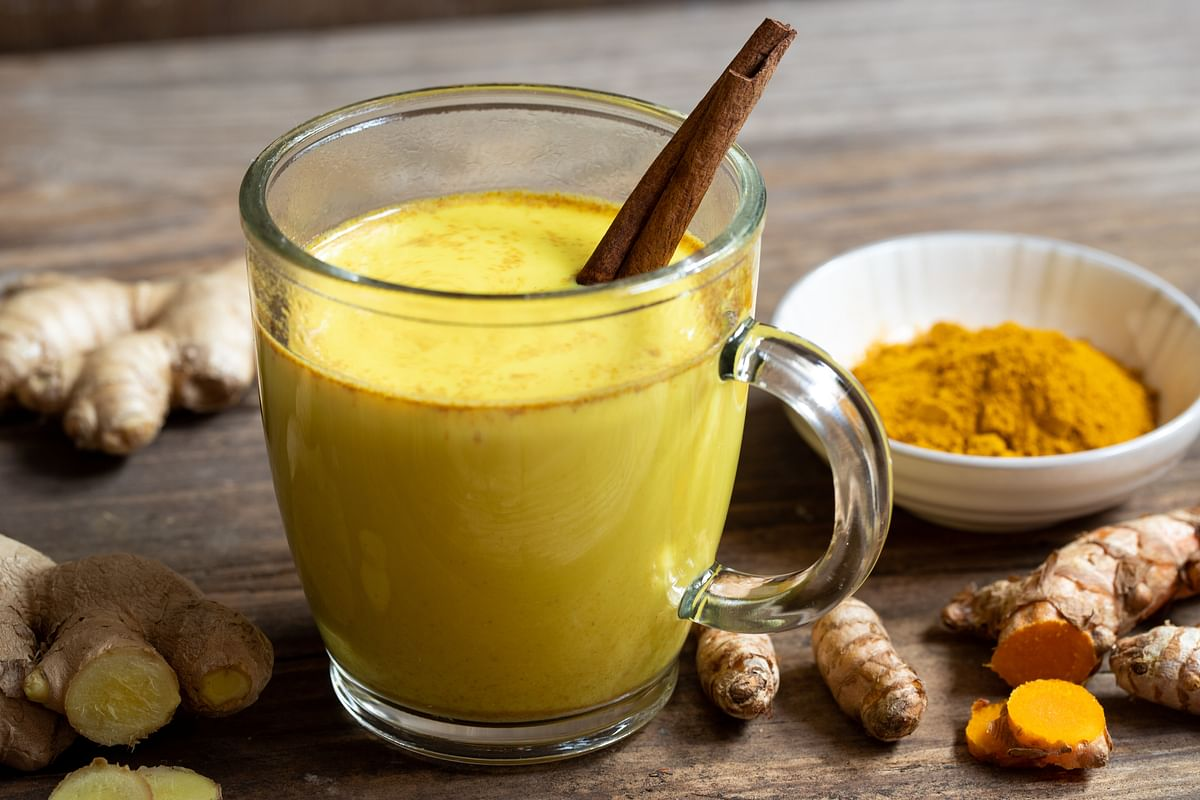 Drink this Ayurvedic concoction at night for healing of throat overnight.