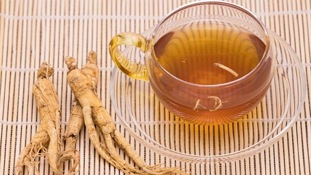 Ginseng tea makes smoking less enjoyable.