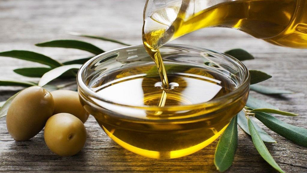 Olive Oil in Mediterranean Diet May Help You Live Longer
