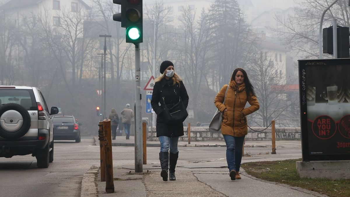 Paris to Restrict Vehicle Use to Fight Air Pollution