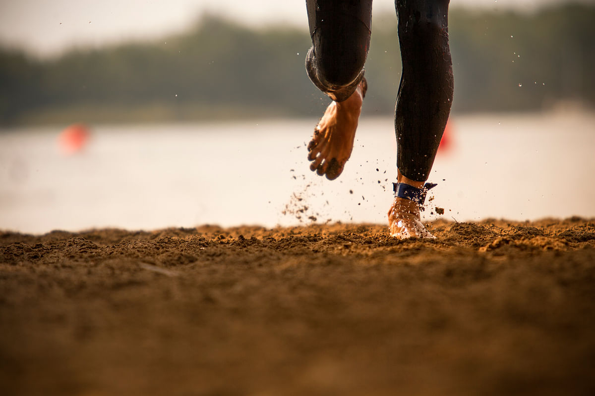 Barefoot or Shoes? Here's the Best Way to Train