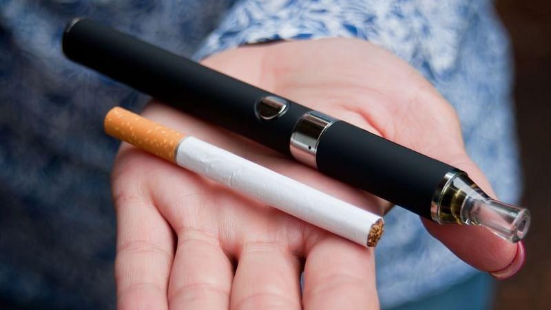 ई-सिगरेट पारंपरिक सिगरेट से बेहतर है या नहीं, इसे लेकर विवाद है.