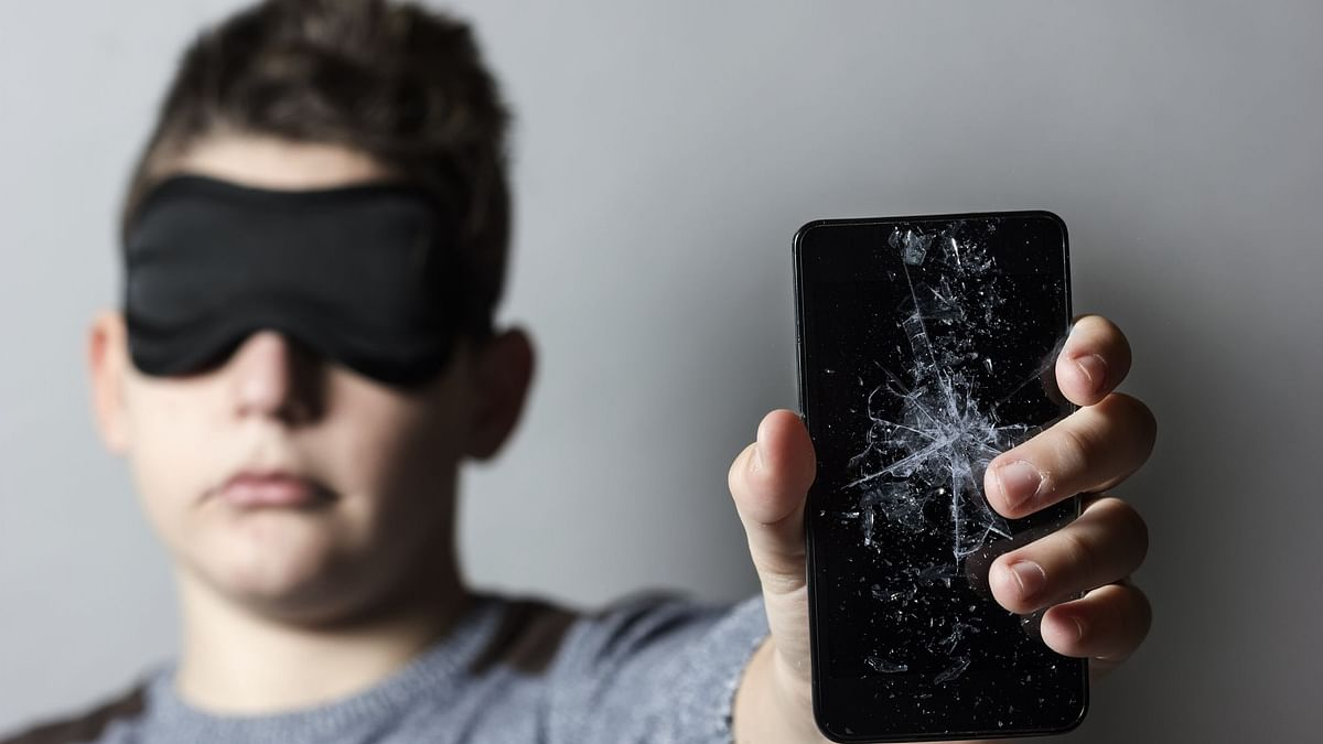 Ever wondered how will you explain an image from your phone to a blind man?