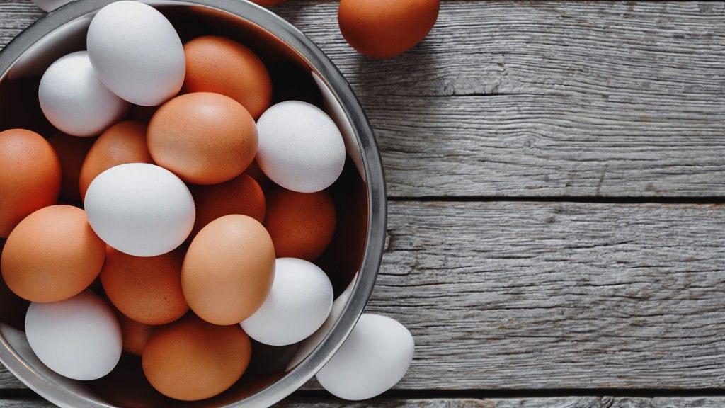 उबले हुए या सलाद के रूप में- अंडे एक परफेक्ट स्नैक्स हैं!