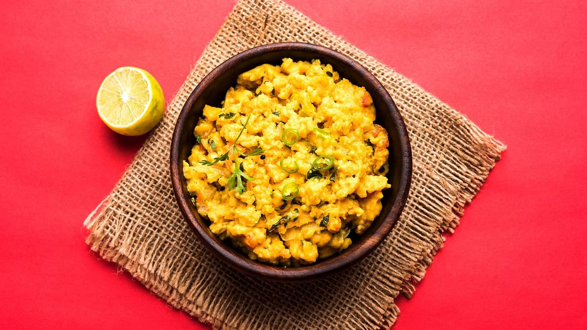 Maharashtrian Pitla is a tasty and healthy option and can be prepared quickly.