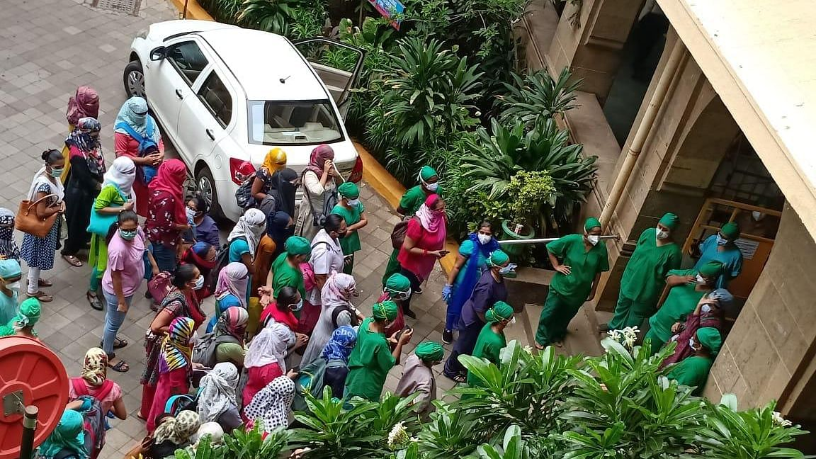 नर्सें अपनी कुछ मांगों को मनवाने में कामयाब रही हैं