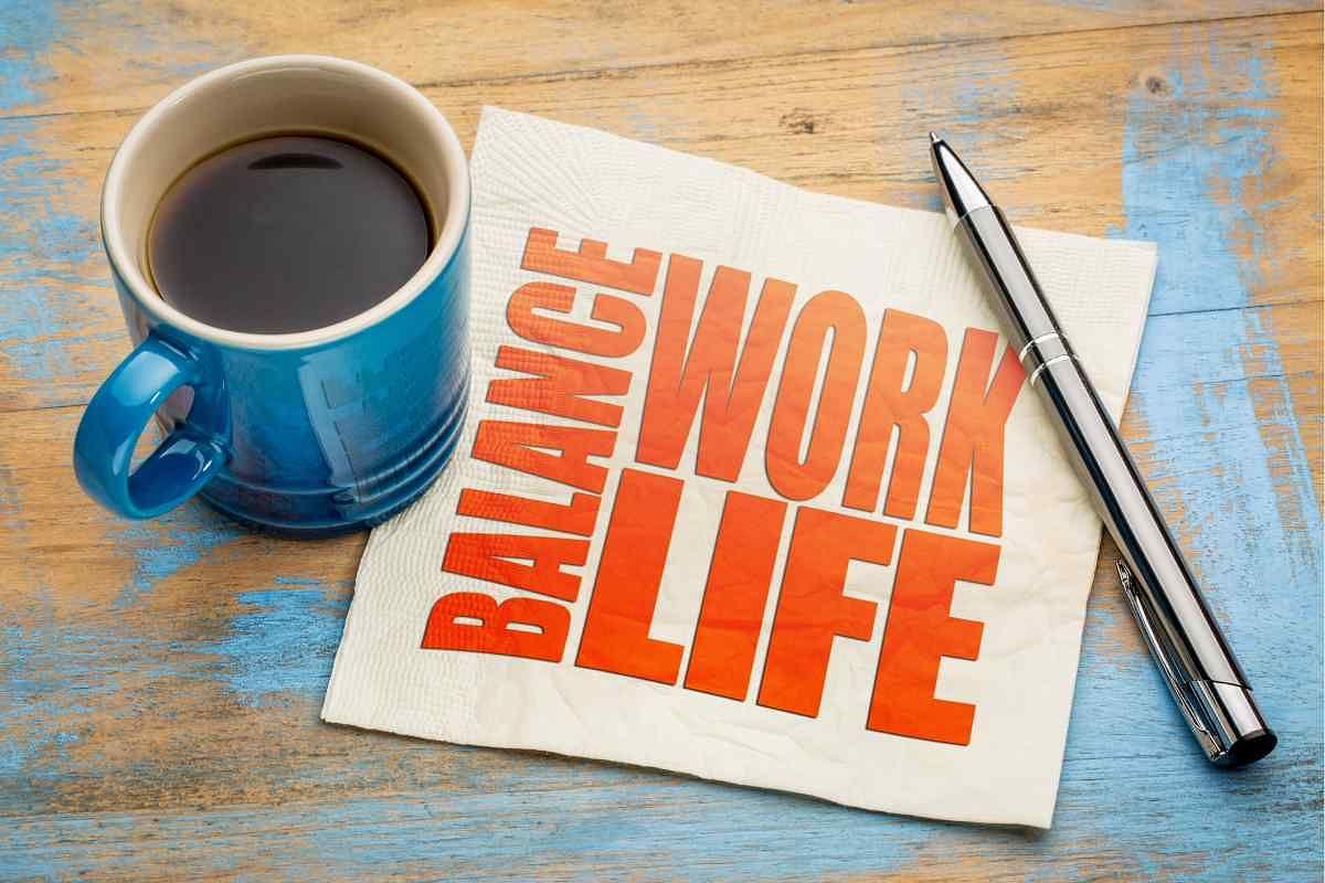 <b>यह जानने के लिए एक लिस्ट बनाएं कि आप काम</b><b>,&nbsp;</b><b>पारिवारिक जीवन और समय के बीच संतुलन के मामले में अपनी लाइफ को कैसे देखना चाहती हैं.</b>