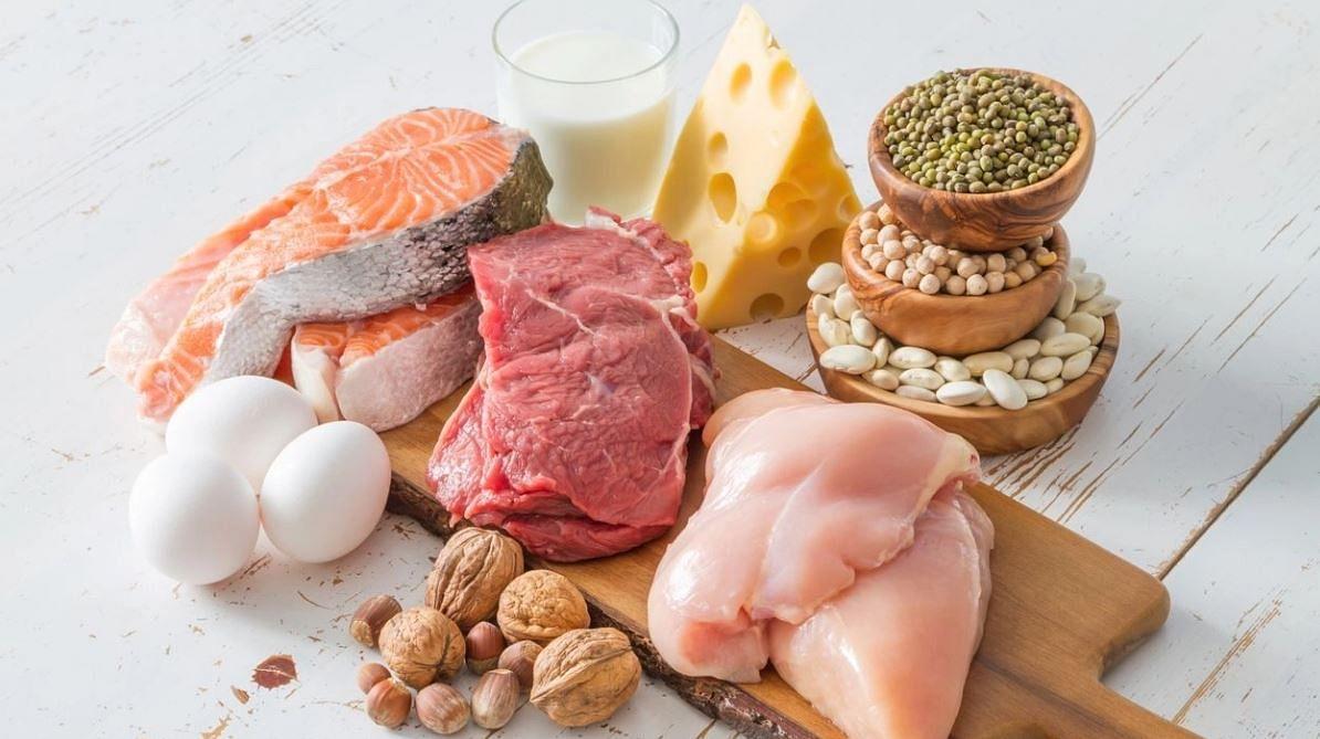 फॉस्फेट मीट और दूध जैसे प्रोटीन युक्त भोजन में स्वाभाविक रूप से पाया जाता है.