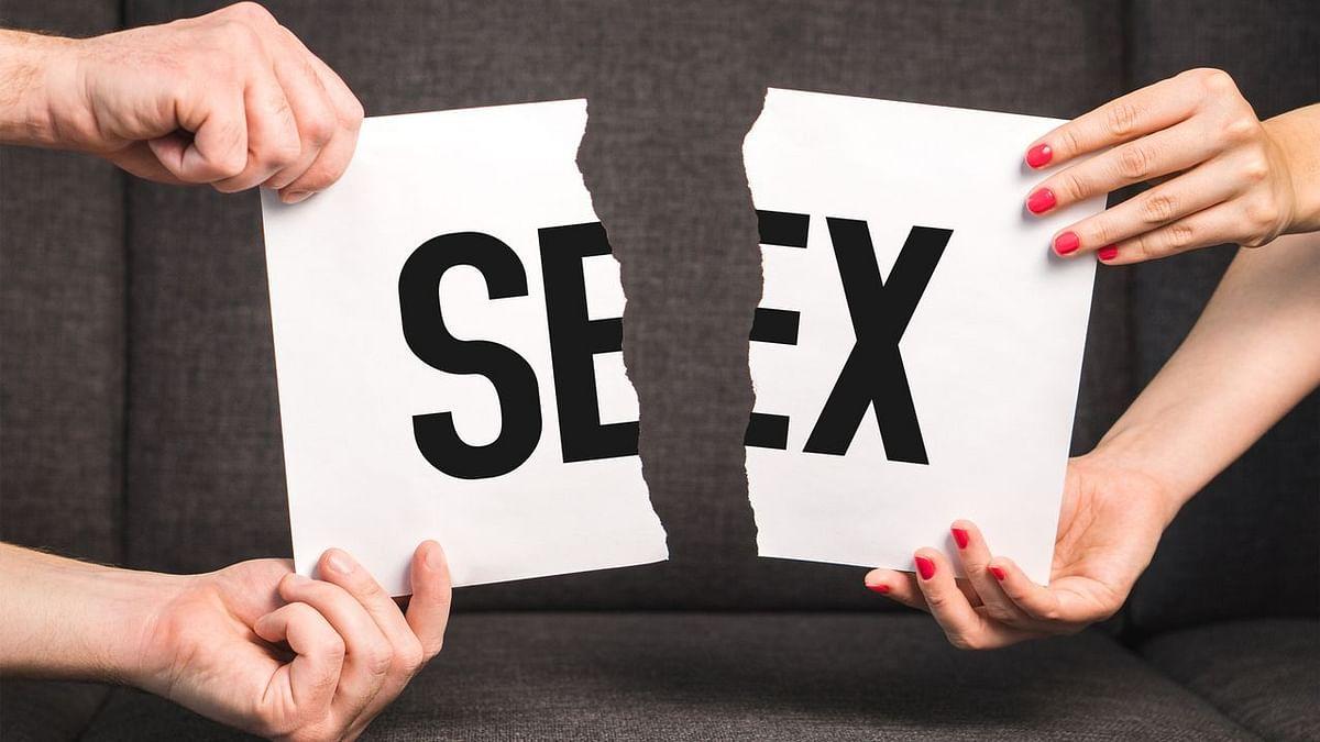 सेक्स के बाद खुश होने की बजाए रोना? हां, पुरुषों और महिलाओं दोनों के लिए सेक्स के बाद उदासी असल में महसूस हो सकती है.