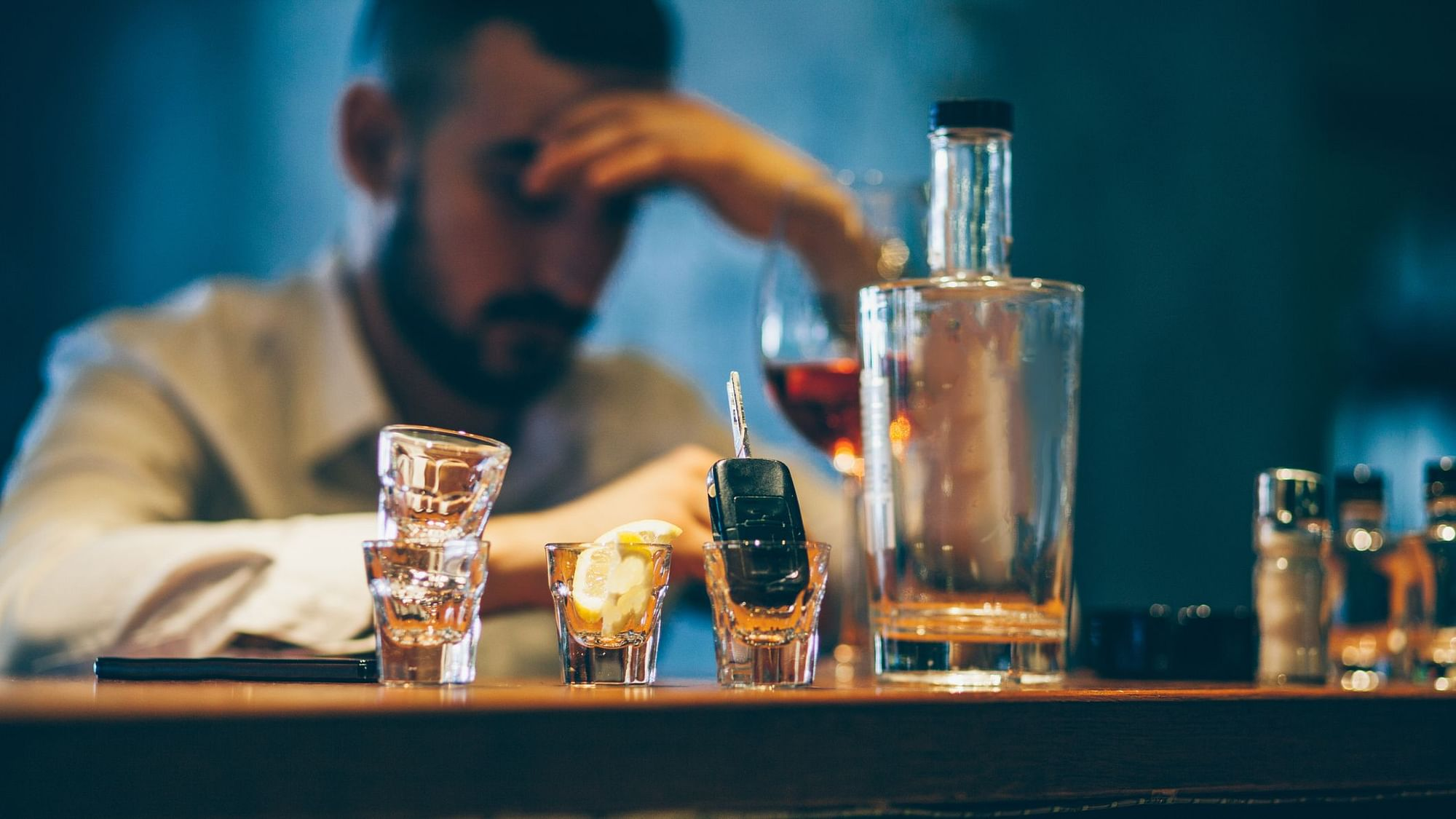 What Makes Casual Drinkers Turn into Heavy Alcoholics?