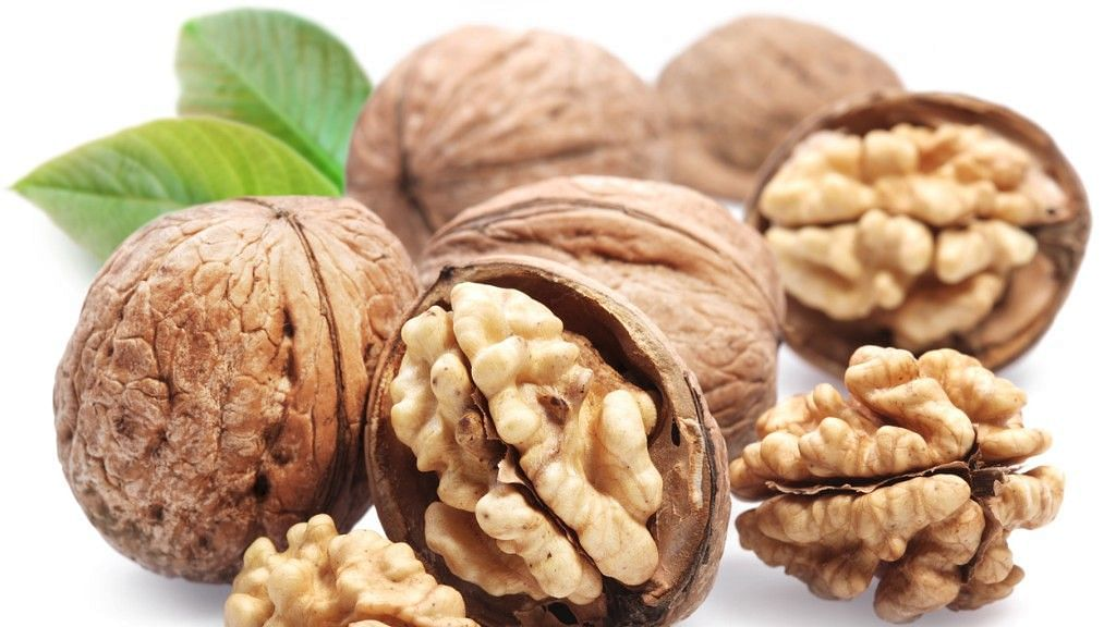 Walnuts Can Help You Stay Sharper at Old Age: Study