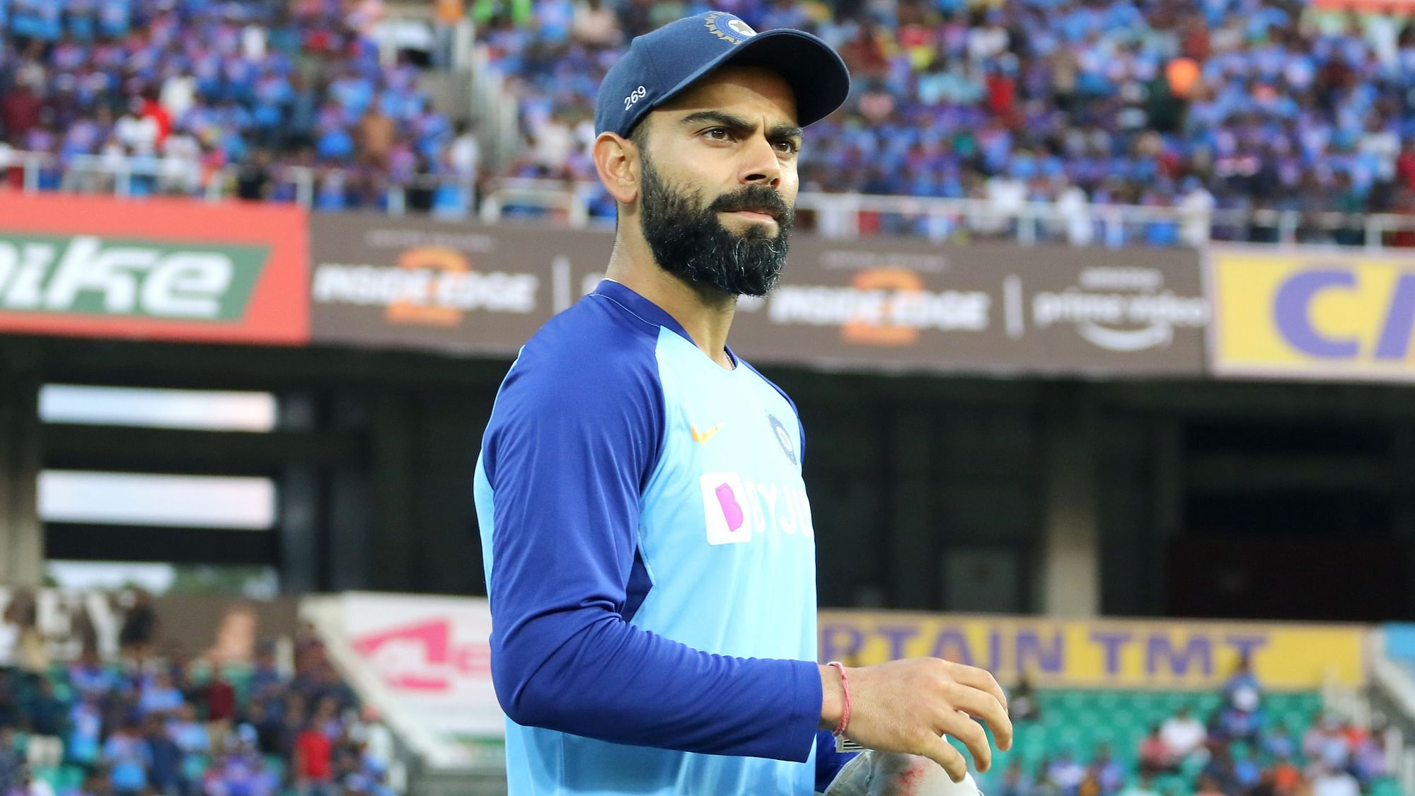 Kohli Miffed at Fans For Chanting Dhoni After Pant Drops a Catch