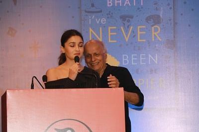 Mahesh Bhatt loses cool at daughter's book launch