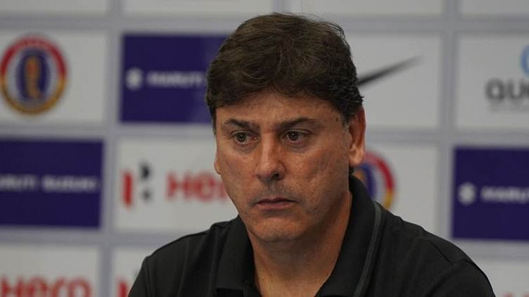 Alejandro Menendez Quits as East Bengal Coach After Derby Loss