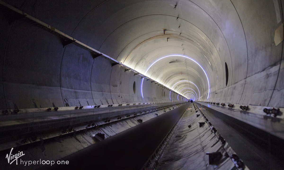 Watch: First Look at Dubai - Abu Dhabi Hyperloop Pod