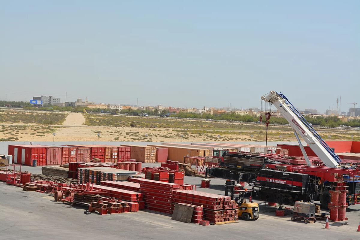 <em>Mammoet's new 20,000 square meter yard </em>