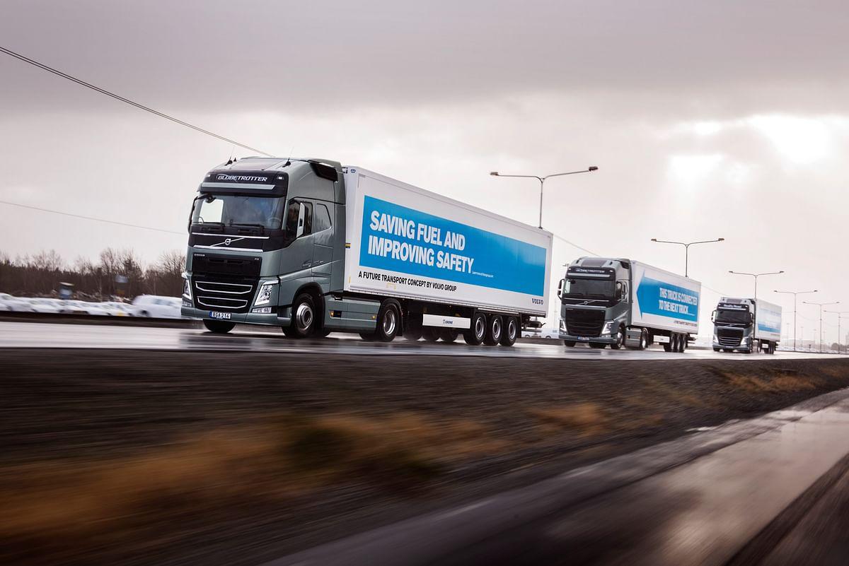 Volvo Trucks and FedEx Demonstrate Truck Platooning