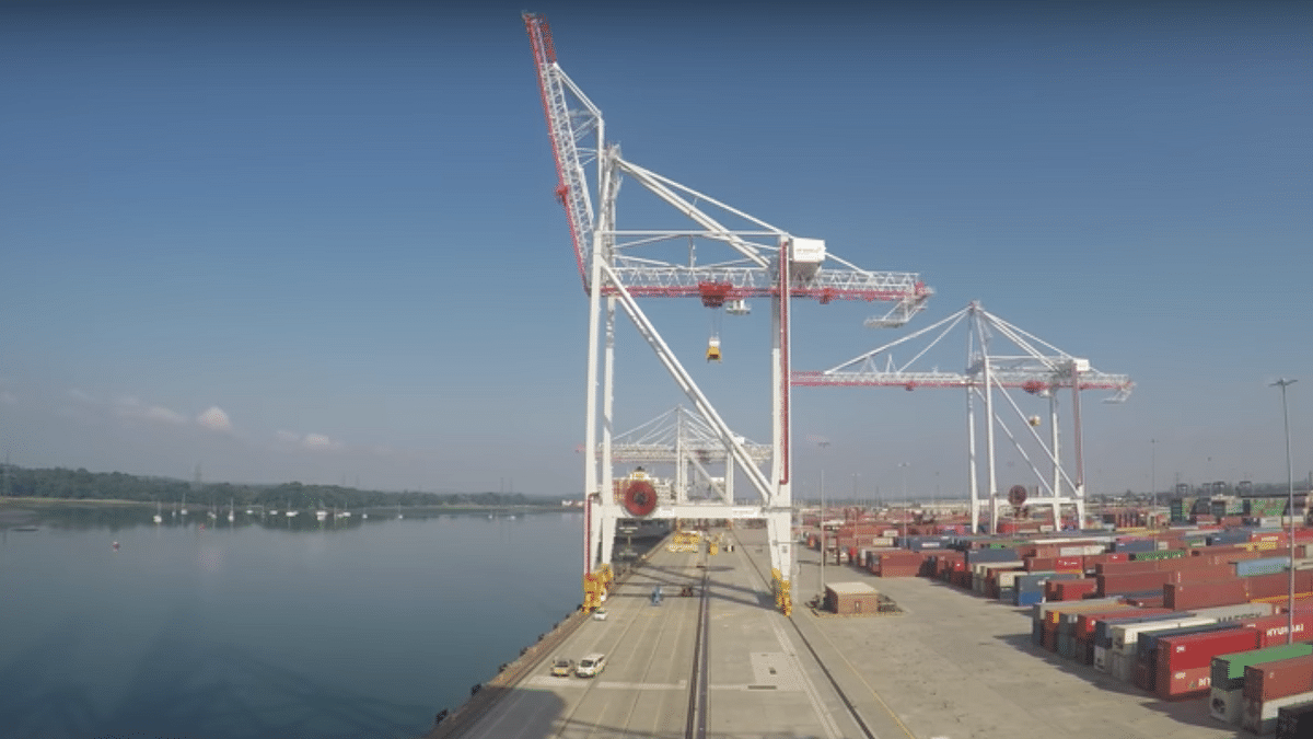 Watch STS Crane Delivery in DP World Port