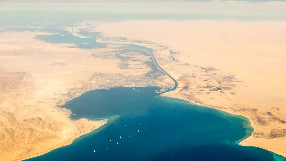 Bulker Causes Suez Canal Ship Pile-Up