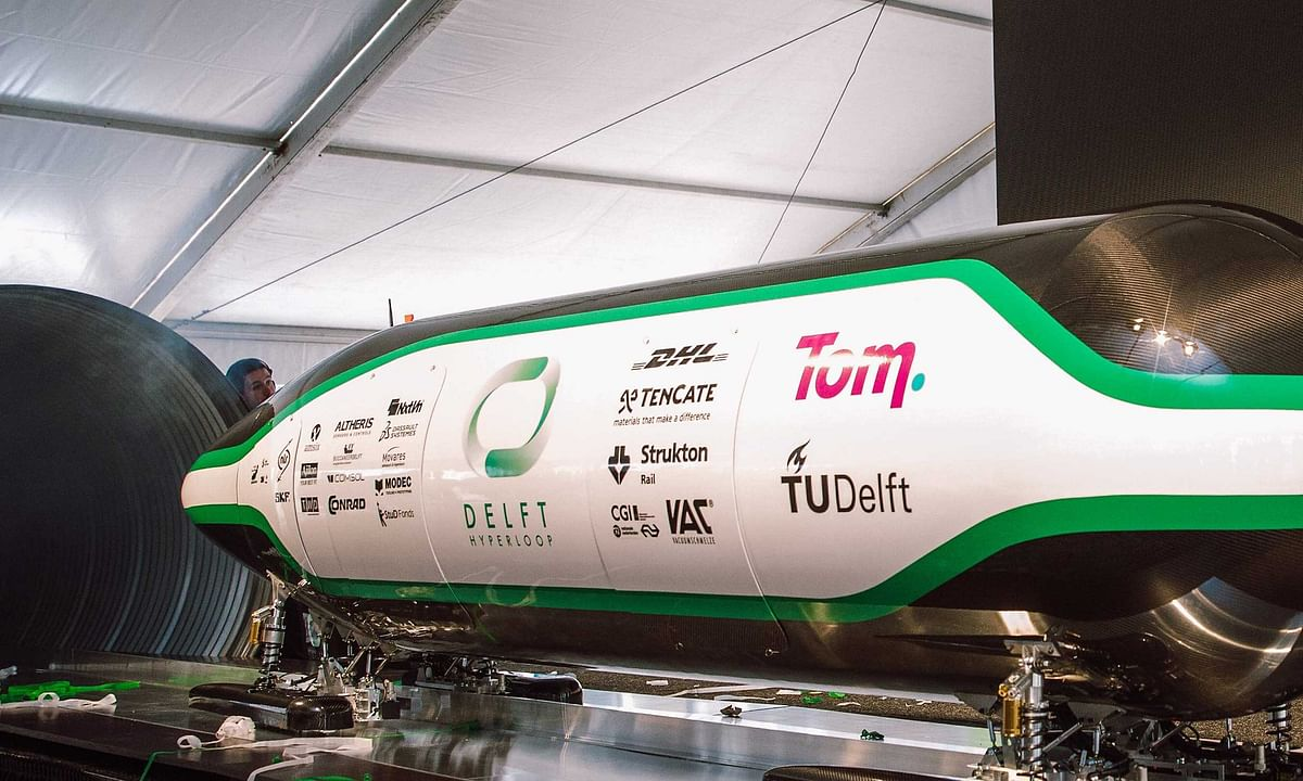 DHL Carries Delft Hyperloop  to California for Test