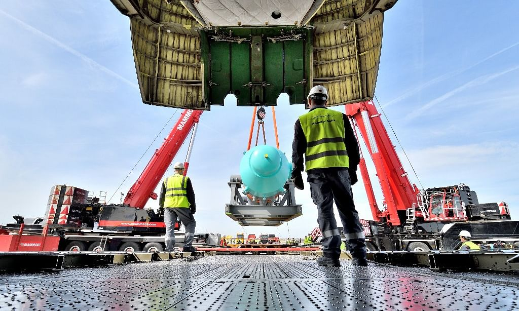 Mammoet Loads World's Largest Plane for Saudi Mission