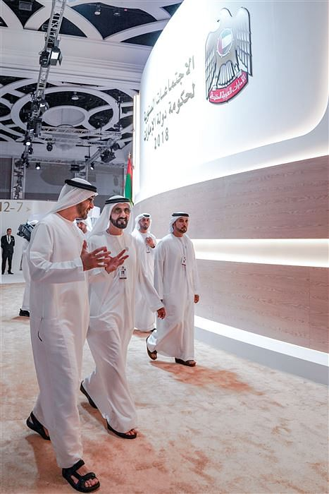 HH Sheikh Mohammed (right)