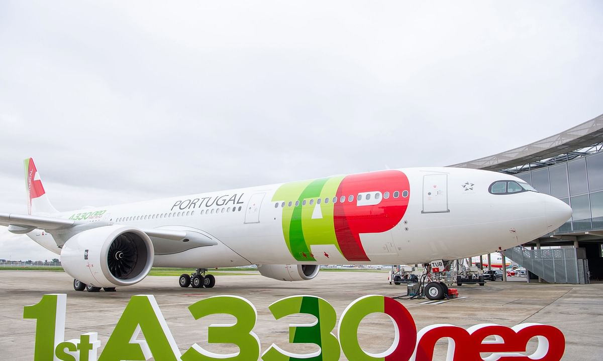 Airbus Delivers World's First New-generation  A330-900neo