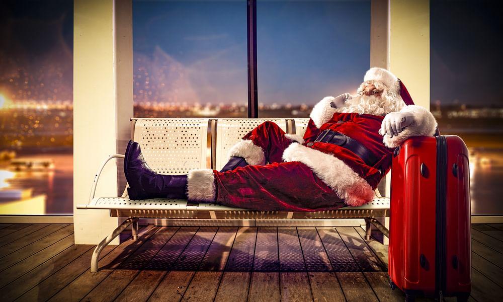 Hong Kong Airport Gets Christmas Cheer