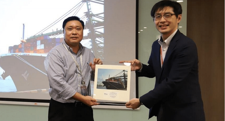 (From left) Mr. Philbert Chua, Vice President of PSA Singapore and Mr. Takashi Kase,Senior Vice President of Ocean Network Express