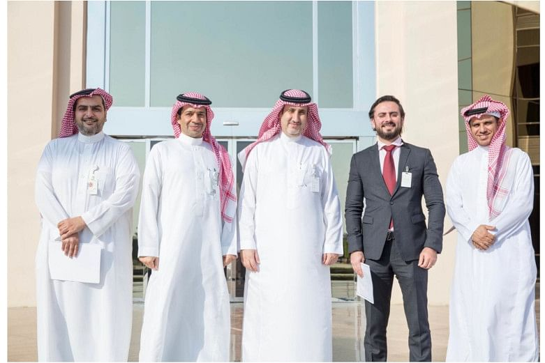 <em>The contract was signed by SABIC officials Fouzan Al Shamekh (middle) – Liquid Supply Chain Director, Petrochemicals and Mohammad Al Sahil (second to the left) -&nbsp; Liquid Supply Chain MEAF Sr. Manager with Khaled Mengash (right) – Customer Service Manager, and Tareq Abanmee (left) – MEAF Customer Service. United Stars Country Manager Aous Mahmoud Ahmed Ali is second to the right.</em>