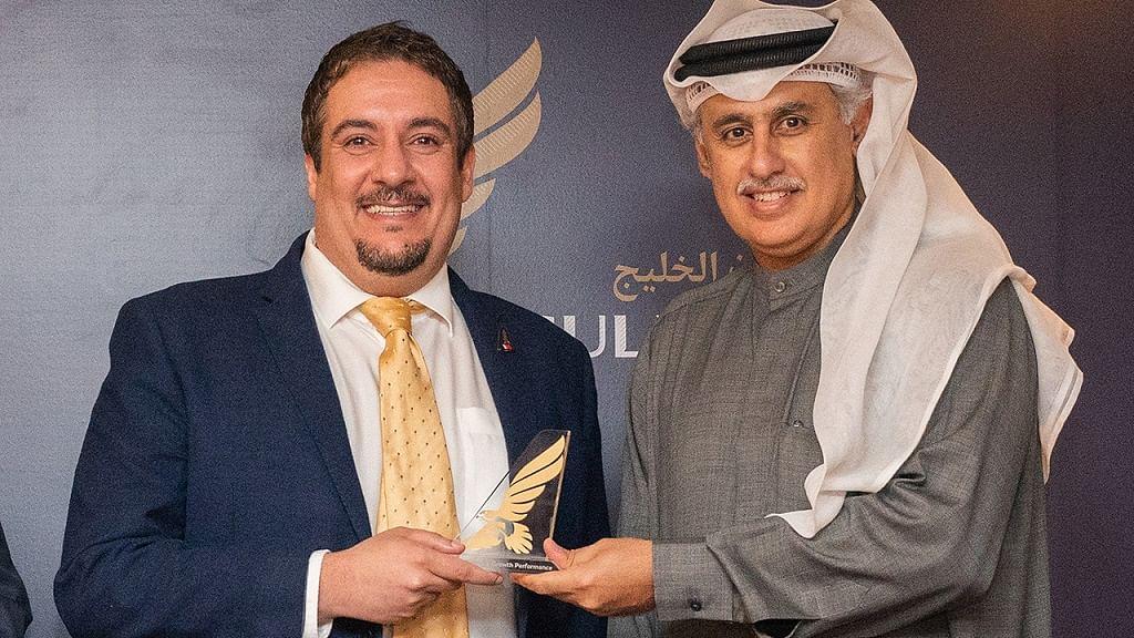 Rashid Abdulrahman Al Gaoud (left)