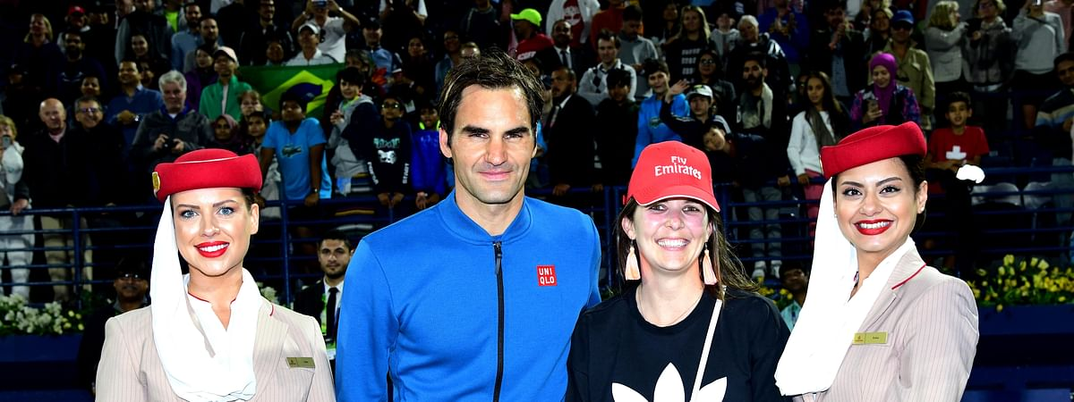 Roger Federer Meets Fan in Emirates Surprise