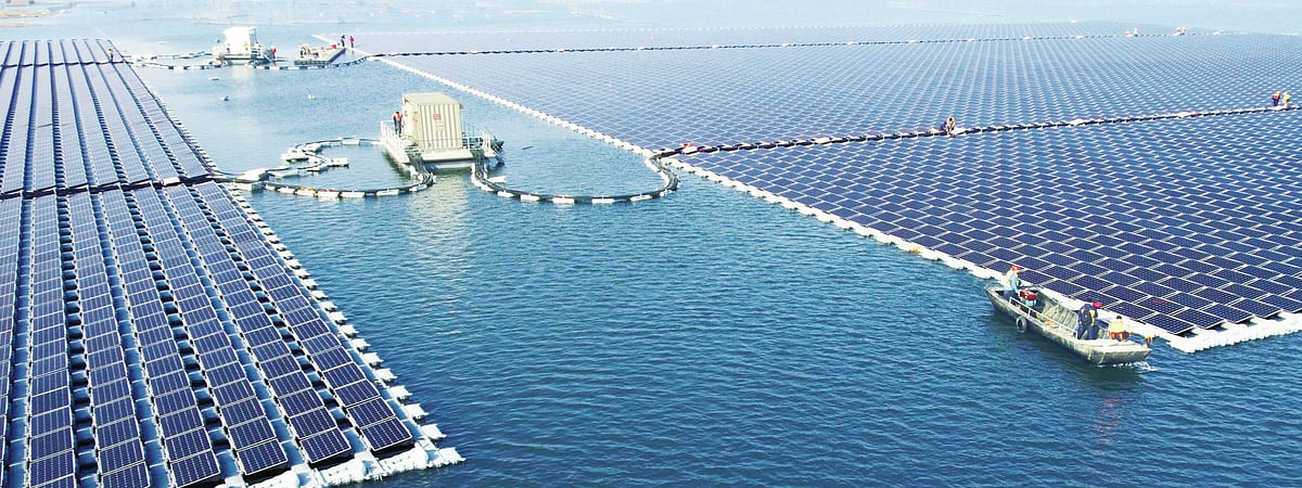 DEWA Invites Proposals for Floating Solar Power Plants